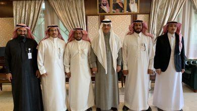 Photo of محافظ شقراء يجتمع مع المدير التنفيذي لفرع الهيئة العامة للغذاء والدواء بالقطاع الأوسط