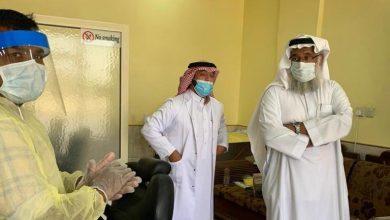 Photo of رئيس بلدية القصب يتابع تطبيق التعليمات بصوالين الحلاقة