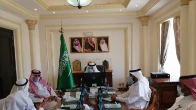 Photo of محافظ شقراء يعقد اجتماعاً بحضور مدير عام فرع وزارة البيئة والمياه والزراعة بمنطقة الرياض .