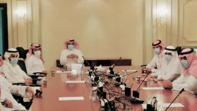 Photo of محافظ شقراء يعقد اجتماعاً برؤساء المراكز بالمحافظة